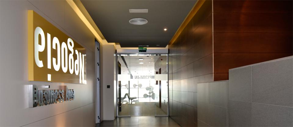 es un centro de negocios igual que una oficina convencional