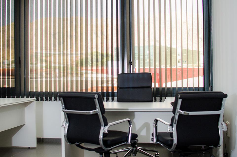 Servicios de negocia area centro de negocios almer a - Oficinas de trabajo temporal ...