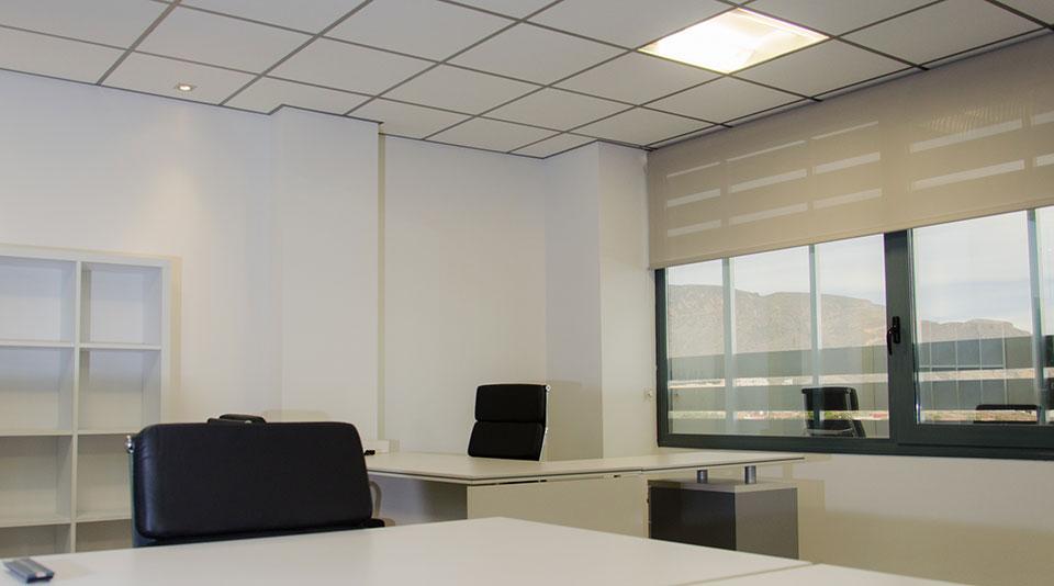 Oficinas temporales negocia area centro negocios almer a for Oficinas de trabajo temporal